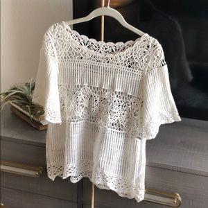 Tops - Beautiful crocheted shirt in cream